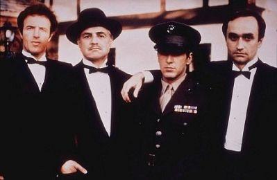 """Don Vito Corleone, El Padrino: """"Un hombre que no pasa tiempo con su familia, no podrá ser nunca un verdadero hombre"""""""